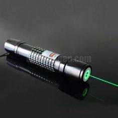 Laserpen groen 200mW waterdicht met 5 opzetstukjes.  De rubberen doorvoertule die zich op de beh ...