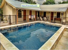 Frio Country offers an ideal location near the water and comes equipped with all the modern amen ...