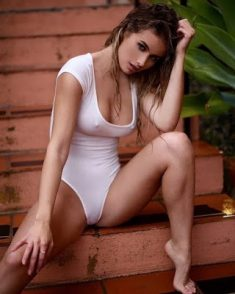 Delhi Escorts Service: Reasons That Make This Delhi Call Girl Successful Endlessly