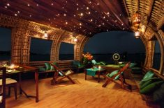Book Luxury Houseboat in Alleppey – Nissi Tours India Provided Best And Cheapest Luxury Ho ...