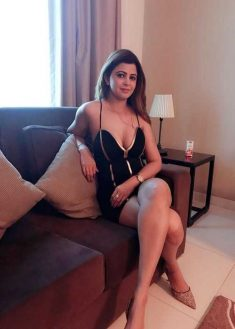 Curvy and charming Uttam Nagar escorts