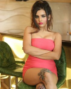 Hire Lucknow Call Girls For Perfect Companionship