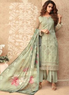 Trendsetting Straight Cut Salwar Kameez