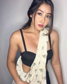 Your Bold Requirements with Dwarka Escorts